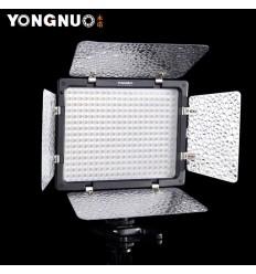 YongNuo LED-300II m Barndoor, Fernbedienung, stufenlose 3200 bis 5500